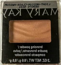 New Mary Kay BRONZING POWDER in Light-Medium #069076